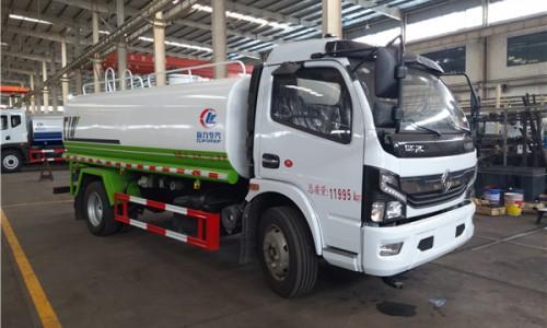 8.5吨天然气洒水车