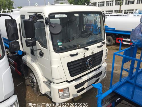 国六东风专底D913洒水车