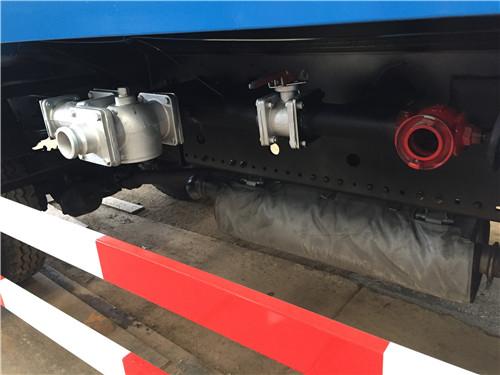 湖北浩天环卫洒水车宽度可以达到多少米