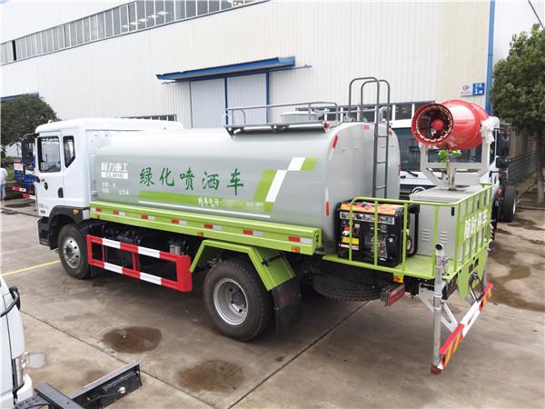 东风D9国六喷雾车