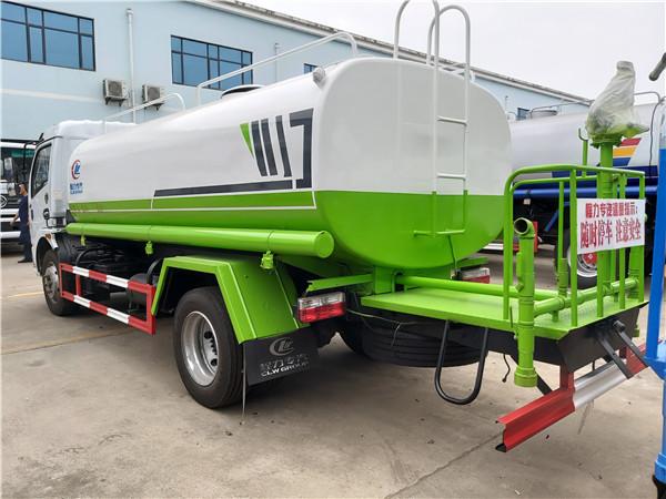 程力国六9吨洒水车